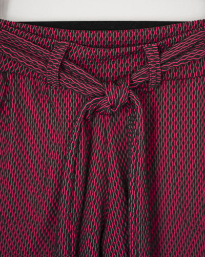Red Pattern Indoors  No People Textile Full Frame Close-up Backgrounds Bow Still Life Tied Bow Textured  Pink Color Art And Craft Creativity Detail Checked Pattern Ribbon Wool Material