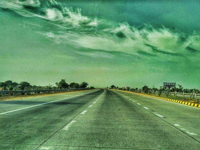 Yamuna Express Way Yamunaexpressway Delhi To Agra Road Trip Cloudy Day