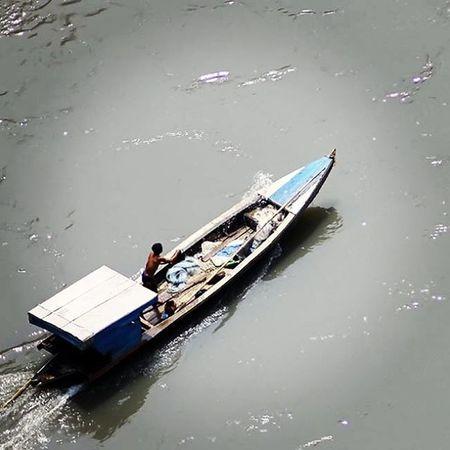Let's boating... Boat Speedboat Perahu Sungai Sungaicitarum River Humaninterestphotography Huminesia Landscape Citarum Cianjur Photocianjur Photooftheday