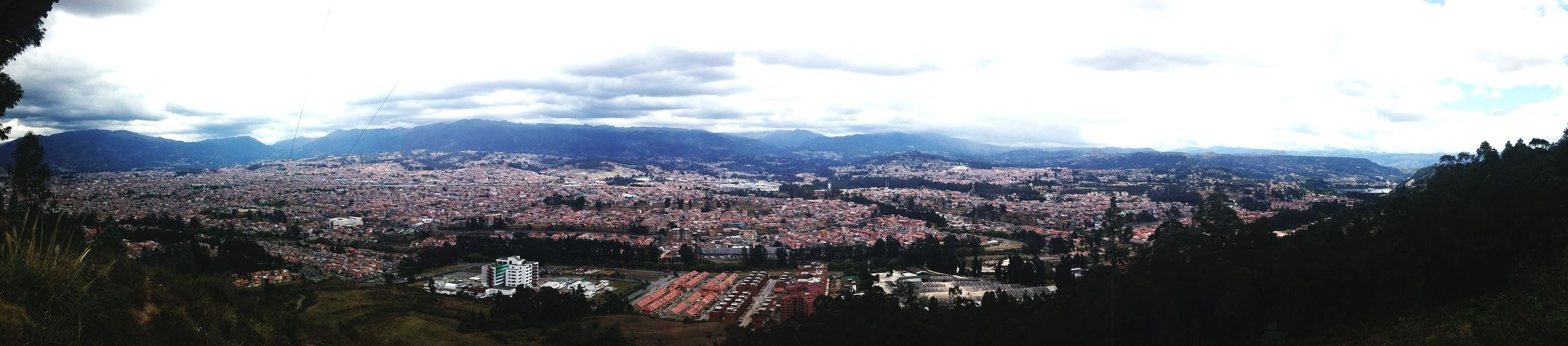 Taking photos hermosa ciudad pequeña pero llena de cultura i arte esto es Cuenca Ecuador Panoramic Sky City Cityscape