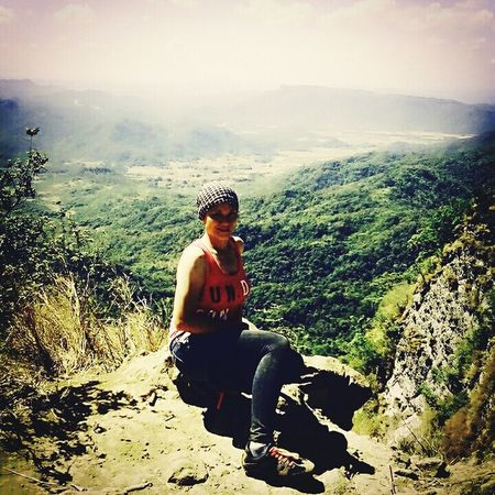 We must take adventures in order to know where we truly belong. It doesnt matter how slow you travel as long as you do not stop 💪 Picodeloro Happyyfeet Mountain View Mountaintop Life Adventurer Seeph TravelPhilippines Pinasmuna Endurance