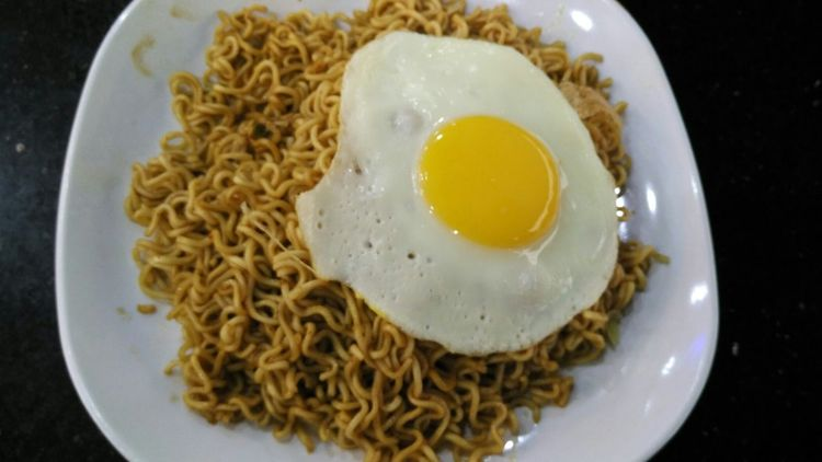 A Taste Of Life Hanging Out Foodphotography Foodhunting Indomee Telurmata