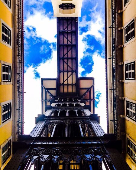 Elevator to heaven Lisbon Lisbonlovers Portugal Portugaldenorteasul Photooftheday Hanging Out Intra_rail Feel The Journey Tourism Friends