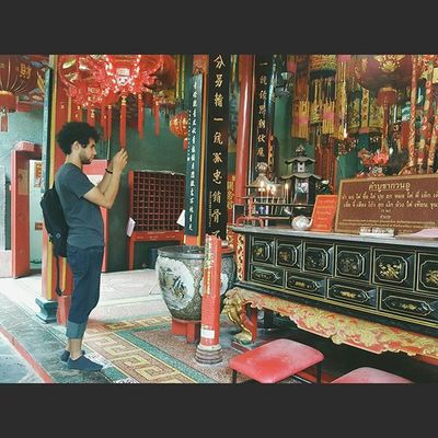 GongWuShrine VSCO Colourful Vscothailand Vscobangkok Vscothai Explorebkk Seeninthecity Peoplewatching Adayinthailand Adayinbangkok Amazingthailand Bangkok Thailand Travel Travelshots Wanderlust