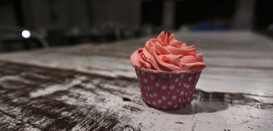 Pink Red Velvet Cupcake A pink red velvet cupcake, such a mature flavour with rich sweet heavy cream cheese! Sweet innocence pink red velvet, holding all the flavours while waiting for it to melt and become sticky. In the mouth, tasting it through and gulp it all down. The mouthwatering pink red velvet is just delicate and flavortastic fun. Cream Creamy Cupcake Delicious Dessert Food Frost Frosting Lovely Mouth Photography Pink Pink Cupcakes Pink Red Velvet Cupcake Red Velvet Strawberry Sugary Sweet Tasty Tasty Dishes Watery Yummy