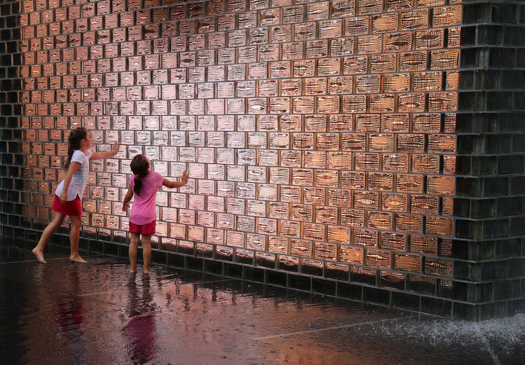 Chicago crown fountain Architecture Architecture_collection Chicago City Life Crown Fountain Fountain Kids Built Structure Child Childhood Human Face Photo Photography Sky Water