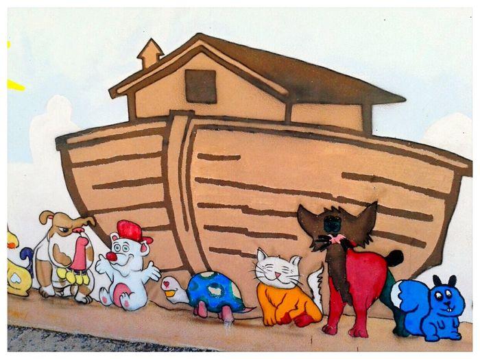 Arca - dettaglio. Painting Murale Kindergarten Noah's Ark Gilgamesh Colours Wall Façade Smartphone Photography Mobilephotography S3 Mini Built Structure Architecture Building Exterior Close-up Street Art Mural
