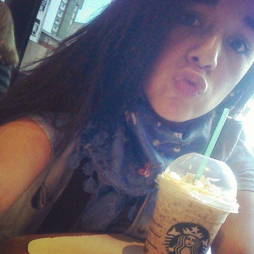 De hoy en Starbucks. Frapuccino Shico Piquito Mua crema dulce ñam ñam.