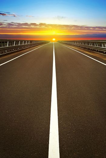 Road Sunset Highway Beauty Ride Into The Sunset Drive Long Journey On The Road Sundown Sunlight Way Straight Hittheroad Hit The Road