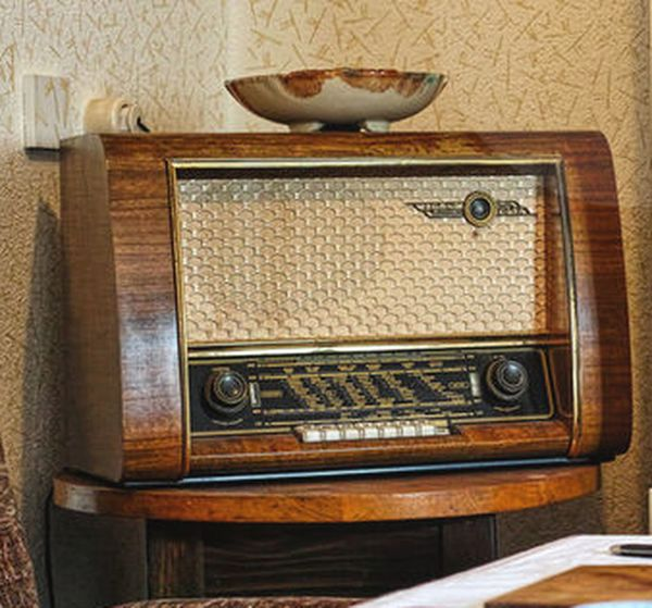 Music Old-fashioned Retro Styled Antique Domestic Life Technology Wood - Material Close-up