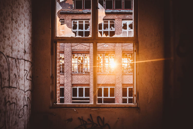 Lost Sunlight Sunrays Abondoned Abondoned Buildings Abondoned Places Architecture Building Exterior Built Structure Close-up Day Door Doorway Indoors  Light And Shadow Lost Places No People Shattered Shattered Glass Sun Sunbeam Sunlight Sunset Window Windows