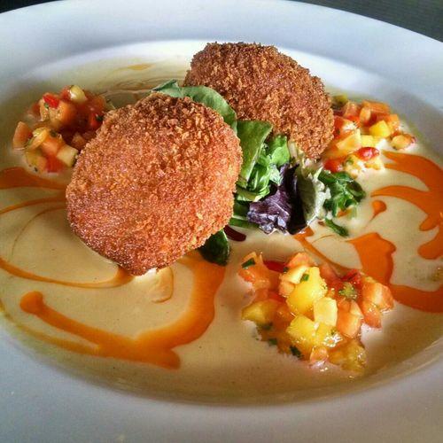 Delicious blue crab cakes ❤ Yardhouse Orlando Foodporn