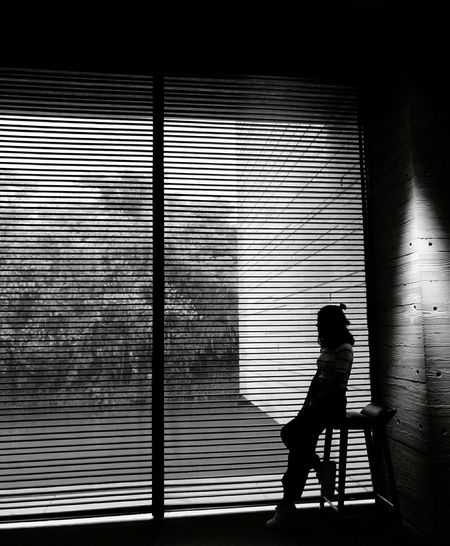 Look through the window. Museum MuXi Art Museum Light And Shadow Window Black & White Blackandwhite Photography People People And Art Girl Outline