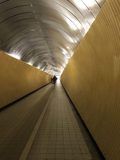 Tunnel Indoors