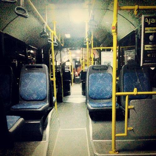 Bonnn boş körüklü otibis. Metrobüs. Doğu Kampüsüne böyle gittim ben. SD ü Dogukampusu Metrobus Bombos yollar