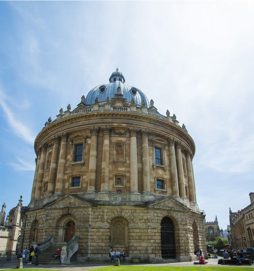 The Radcliffe Camera, Oxford Radcliffe Camera Tourist Attraction  Architectural Column Architecture Building Building Exterior Built Structure City Dome Façade Government Group Of People High Quality Photography History Incidental People Low Angle View Nature Outdoors Sky The Radcliffe Camera The Past Tourism Tourist Destination Travel Travel Destinations The Traveler - 2018 EyeEm Awards The Architect - 2018 EyeEm Awards
