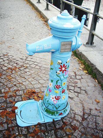 Streetphotography Eye For Details Wasserpumpe Popular Photos Beliebte Fotos The Week Of Eyeem Open Edit Taking Photos Schnappschüsse EyeEm Best Shots