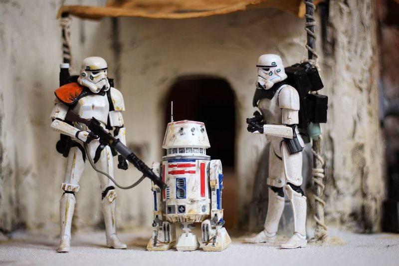 Not the droid we're looking for. Toy Photography Canon700D Sandtrooper R5d4 Hasbro Moseisely Starwars Blackseries Diorama