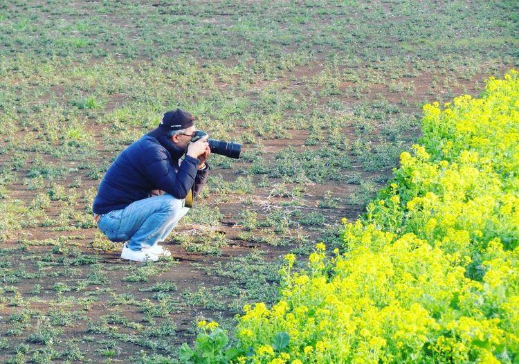 花撮ル人ヲ撮ル Streetphotography No Standard World Photography Themes Camera - Photographic Equipment Photographing Photographer Men Nature