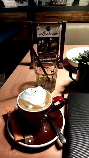 3d 🐈 EyeEmNewHere 3 Dimension Cat Cute Latte Art Cappuccino Coffee Lovely Café Coffee Break Glass Cup Art Drink Table Close-up