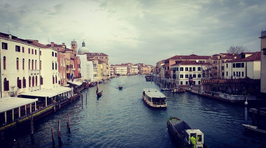 Travel Destinations Gondola - Traditional Boat Architecture Building Exterior Cityscape Outdoors Water Nautical Vessel Built Structure Vacations Sky Day No People City Cloud - Sky