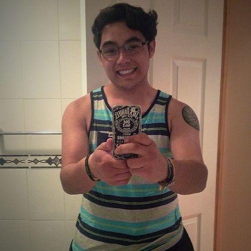 Holoooo 🙈😝😄Men Musculito Smile Feliz Tagsforlike Like4like Likeforlike Instachile Instaphoto Instatalca Talca Curicó Molina Model Jackdaniels Siguemeytesigo Tattoo Followme