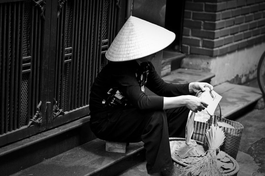 Black And White Blackandwhite Check This Out Chinese Hat EyeEm Best Edits EyeEm Best Shots EyeEm Best Shots - Black + White EyeEmBestPics First Eyeem Photo Hanging Out Hanoi Hat Hello World Let's Do It Chic! Person Real People Sitting Standing Taking Photos Taking Pictures Three Quarter Length Vietnam