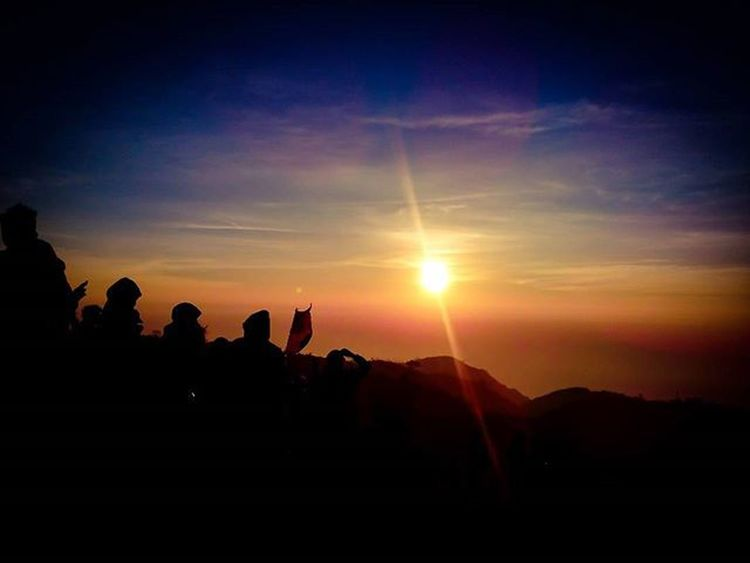 Lupa sy yg ini blom di upload yah.. INDONESIA Dieng Prau Siluet Nature DOPE Sunrise Mountains Moment Love Saveworld Nice Sunshine Clouds Landscape Panorama Sun Praumountain Camping Natural Beutiful  Love Romantic Photooftheday Latepost instalike instaeurope instagaruda