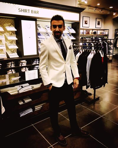 Sprezzatura Pocketsquare Dapper Dandy Gentleman  Suits  Ferragamo Tie Versace Emporioarmani Hugoboss Armani Men Gentlemanstyle Menwithstyle Mensstyle Pittiuomo Tuxedo Mensfashion Menswear Springsummer Newseason Damat Tween Damattween