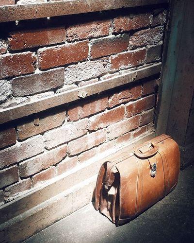 Bag. Photography Photos Photo Photographer VSCO Vscocam Vscocamphotos Vscoaus Vscoaustralia Vscomelbourne Justgoshoot Capture Mobilephotography Mobile Mobilephotos Mpnselects Samsung Samsunggalaxys6 Streetphotography Gspc Bag Travel Suitcase Light