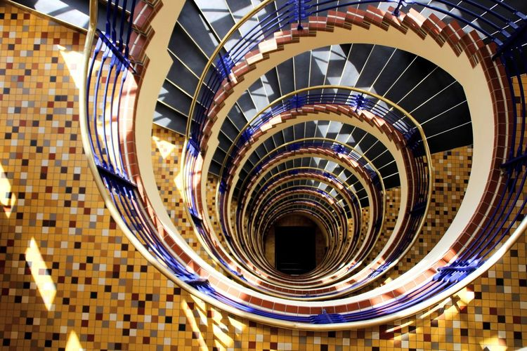 Hamburg Germany The Architect - 2018 EyeEm Awards Spiral Staircase City Steps And Staircases Spiral Steps Spiral Stairs Staircase High Angle View Railing Architecture Stairs Geometric Shape Repetition Pattern Triangle Circular Hand Rail Circle Design Architectural Detail Directly Below The Still Life Photographer - 2018 EyeEm Awards The Creative - 2018 EyeEm Awards