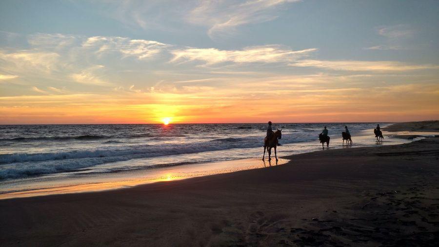 Magestuosidad de un atardecer... Oaxaca Beach Sunset Mexico Sky Horizon Over Water