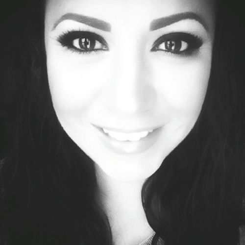 Love yourself. It is important to stay positive because beauty comes from the inside.😊 Happy Valentine's Day everyone!🤗💕 Looking At Camera Portrait Smiling Headshot Real People Lifestyles Front View One Person First Eyeem Photo HelloEyeEm Selfie ✌ Beauty Makeupaddict Stay Positive Mexicana It's Me Photo Of The Day California Blessed  Smile Big Eyes Potrait Of Woman Beauty Is Within Blackandwhite Stay Classy