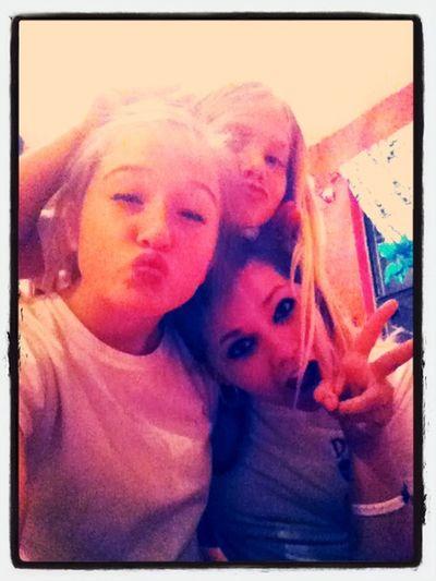 Me an my girls!!!!