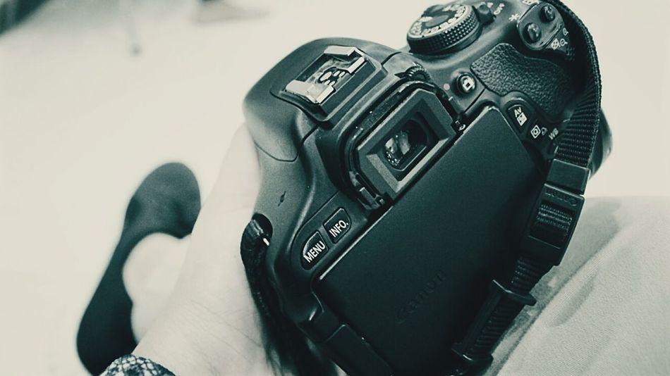Bila nanti saatnya tlah tiba ..EyeEm Selects Akad Akadnikah Bonek Indoors  Adult Hot Ranmarker Photographyaddict Photography Photooftheday Looking At Camera Succes
