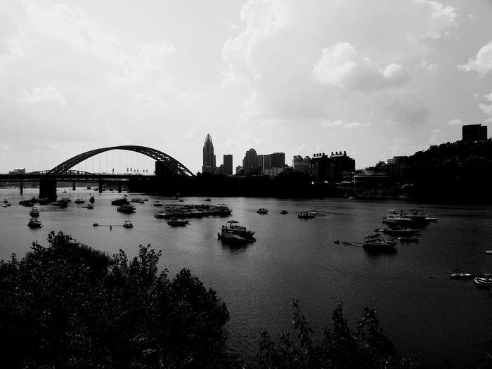B&w Photography B&w River View Riverfront Cincinnati Skyline Check This Out Cincinnati RiverFest