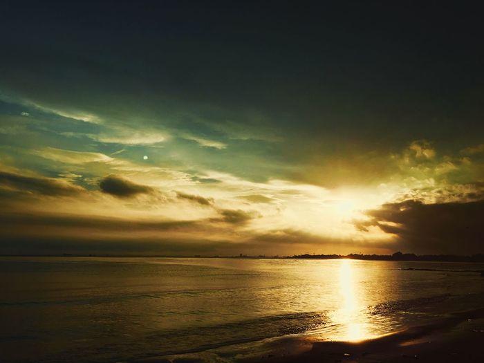 Dusk Sea Sunset Scenics Horizon Over Water Beauty In Nature Tranquil Scene Nature Dramatic Sky Beach Cloud - Sky Sky No People