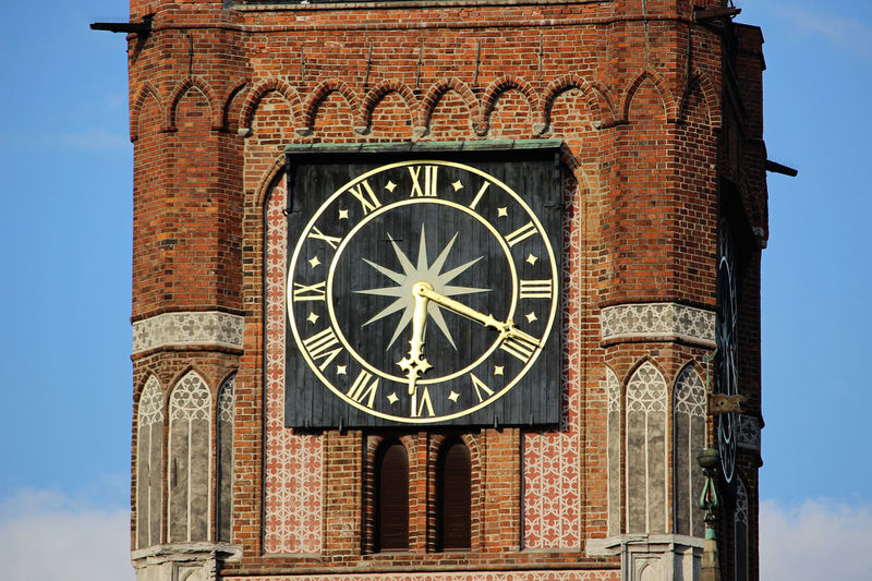 Clock Time Travel Destinations Clock Tower Travel Outdoors Astrology Sign Architecture History Astronomy Astronomical Clock Close-up Architecture Torun, Poland Gothic Gothic Church Old City Town Square Toruń City Toruń Gothic Style TOWNSCAPE Torunskie Gold Colored