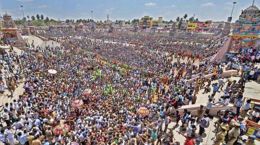 THIS IS TH EONE OF THE GREAT HINDU FESTIVAL WITH MORE THAN MILLIONS OF PEOPLE CALLED MASI MAGAM FESTIVAL WHICH COMES ONCE IN 12 YEARS. Large Group Of People