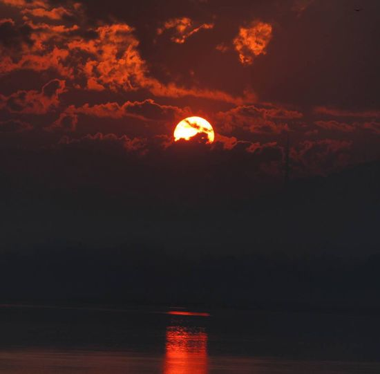 Eyemphotography EyeEm Best Shots EyeEm Best Shots - Sunsets + Sunrise awesome EyeEm Nature Lover nature On Door Step Sunrise And Clouds Sunreflection good morning from India . Sunrise over the famous river Brahmaputra