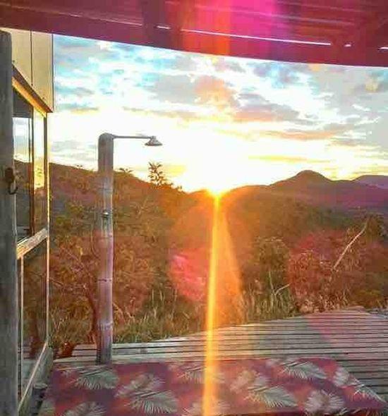 A luz de um novo dia invade a minha alma. Lapinha da Serra/MG Sunset Reflection Sunbeam Nature Sunlight Sky Beauty In Nature Brazil ❤ House Trilhandomontanhas Tranquility Espetacular Adventure Beauty In Nature Paisaje