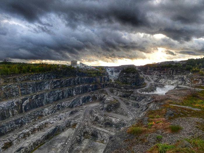 Open-pit Mining Openpitmine Mine Factory Limestone Parainen Finland Storm Cloud Tree Sunset Dramatic Sky Sunlight Storm Sky Cloud - Sky Landscape