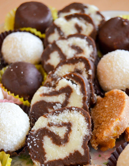 homemade sweets Chocolate Chocolate♡ Close-up Coconut Diet Food Food And Drink Freshness Fudgebrownies Indoors  No People Ocassionalfun Sweet Food Sweets Sweet♡ Truffle Truffles