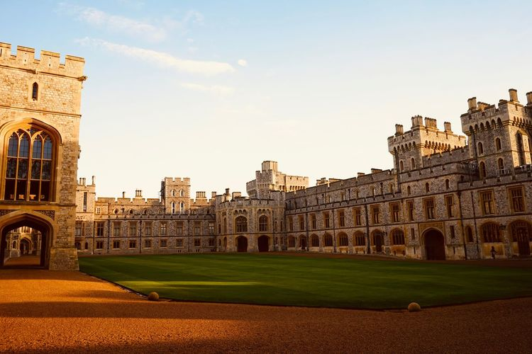 A day out at Windsor Castle. British Culture Castle Windsor Castle Windsorcastle Windsor Monarchy History History Through The Lens  History Architecture History Place Historical Historical Building Historical Monuments Historical Sights Historical Place Travel Destinations Travel Photography Travelphotography The Traveler - 2019 EyeEm Awards