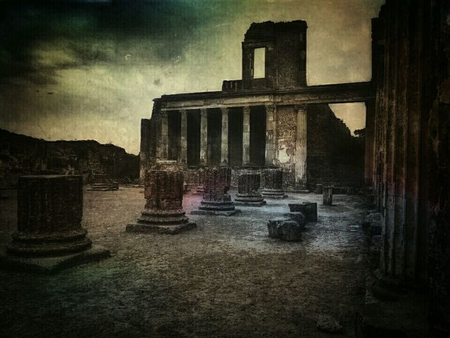 Italy Pompeii  Roman Ruins Ancient City Great Museum The Traveler - 2015 EyeEm Awards Mobile Art Painterly