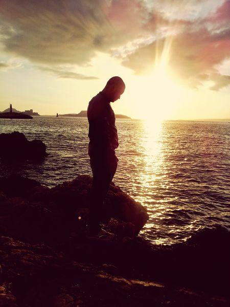 Traveling Vacation Blackelektronika Marsiglia France thinking In life February