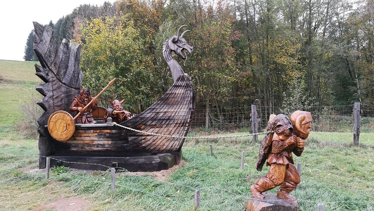 Art Carving - Craft Product Wood - Material Ship Tree Full Length Sky Wooden