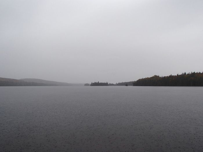 Lac Forbes sous la pluie - Rainy Day on Forbes Lake Grey Sky Cloud - Sky Rainy Days Rain Lake Sky Water Tranquility Tranquil Scene Scenics - Nature Beauty In Nature Nature Outdoors