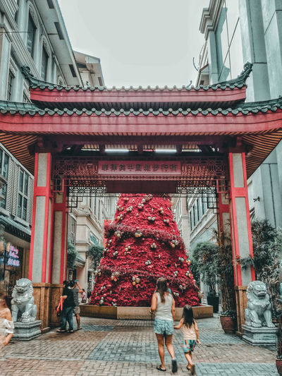 Welcome to China Town temple welcome chinese temple christmas tree red christmas Asian Culture EyeEmNewHere Temple Welcome Chinese Temple Red Christmas ASIA Chinese Asian  Philippines Divisoria Architecture Built Structure Rear View Day Real People Two People Travel Destinations Lifestyles Building Exterior People Adult Adults Only Outdoors City Full Length Women Men Only Men Togetherness