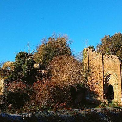28 dicembre 2015 torre degli arraggiati, sutri vt Nature Archeology Archeologia Architecture Sutri Parcoarcheologico Viterbo Torre Rovine Ruins